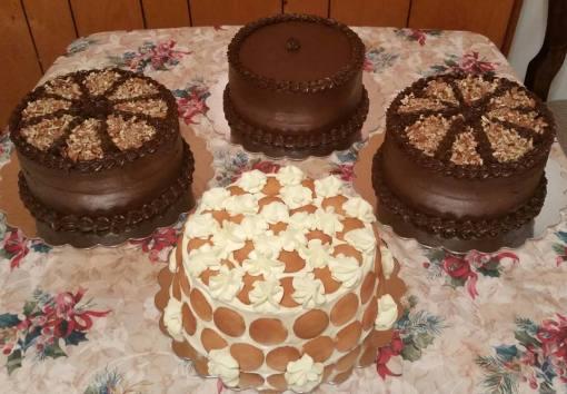 Banana Pudding and chocolate cake